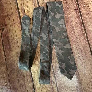 3/$25 J. Ferrar Gray Camouflage Neck Tie